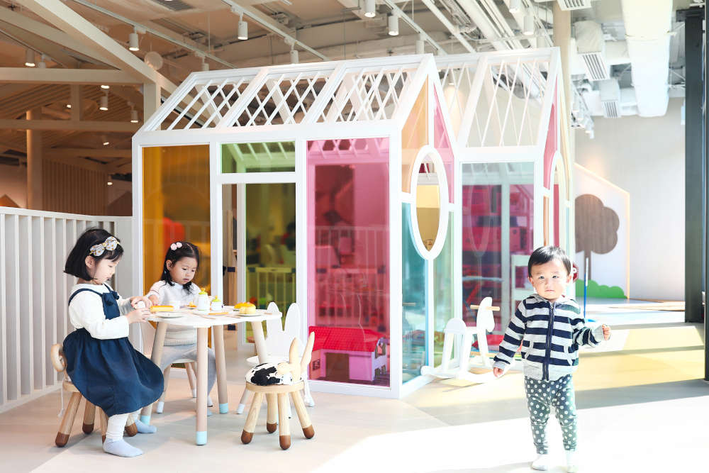 Origami Cafe's multi-colored house