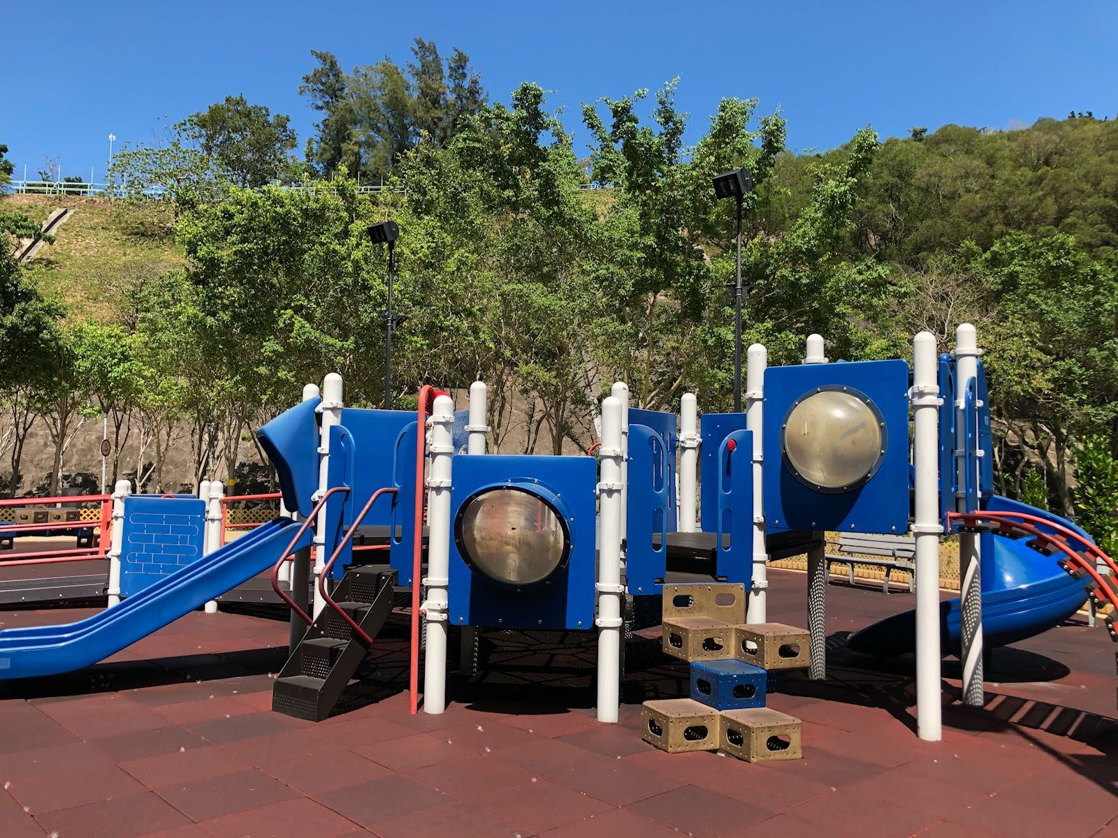 Siu Sai Wan Promenade's obstacle maze at playground