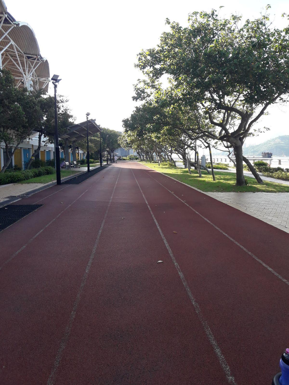 Sui Sai Wan Promenade's walking or running track