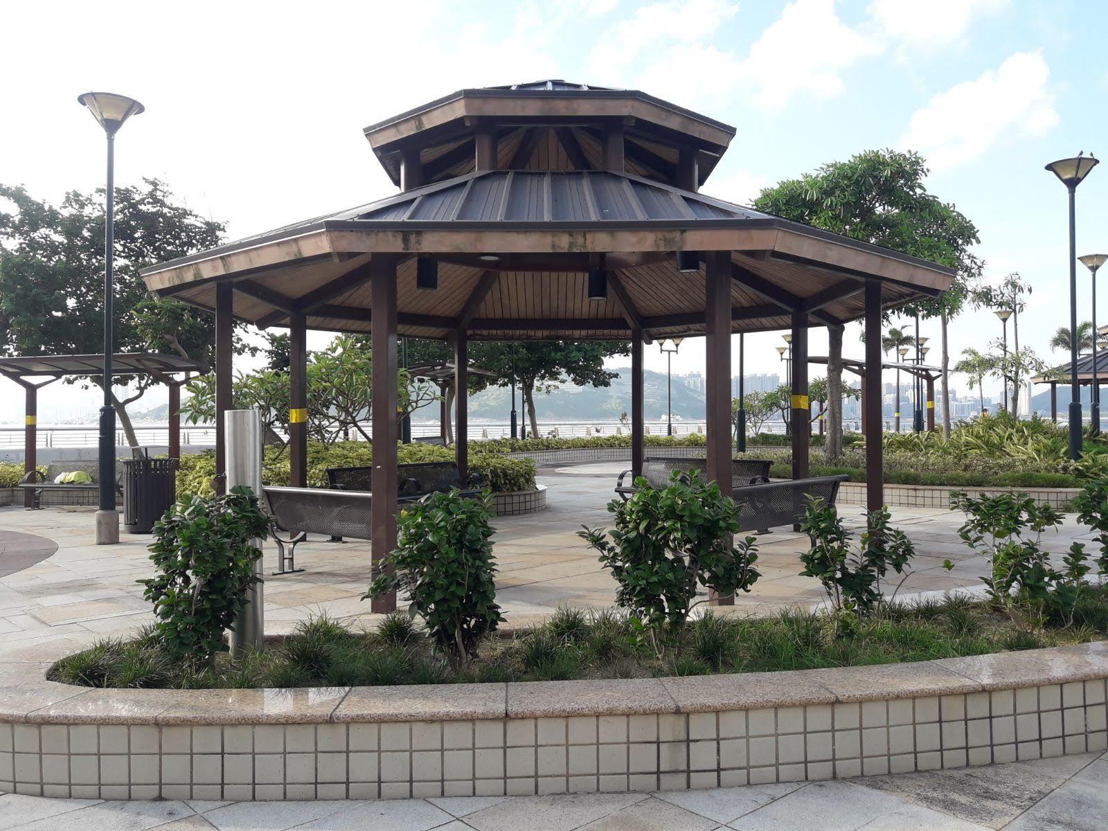Siu Sai Wan Promenade's center part