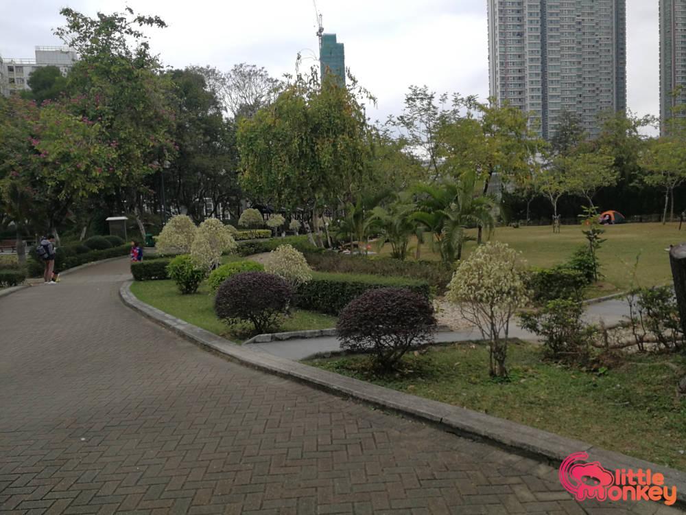 Nam Cheong Park's greenery lawn