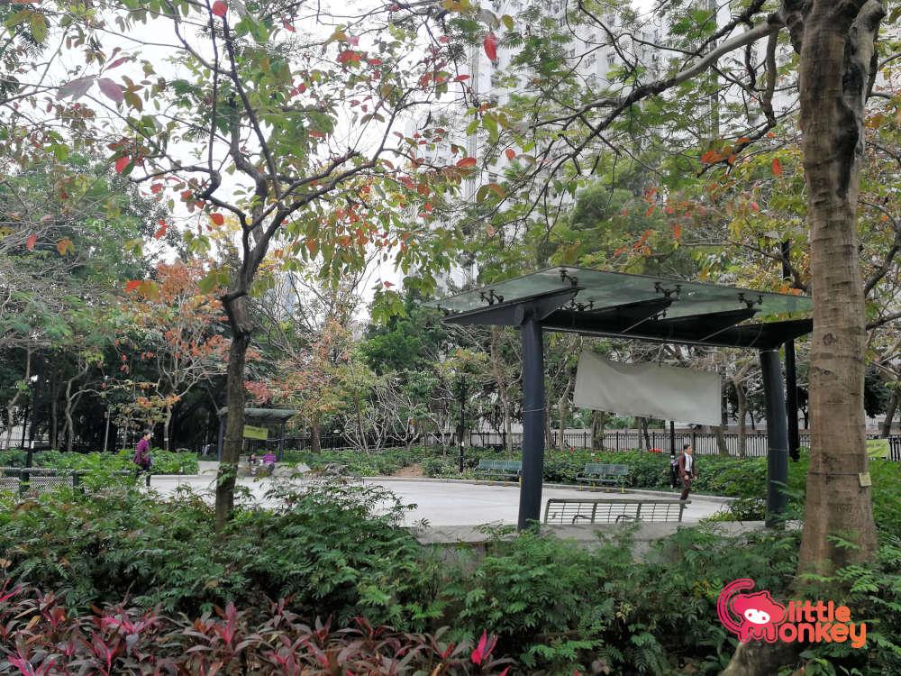 Cherry Street Park's sitting area