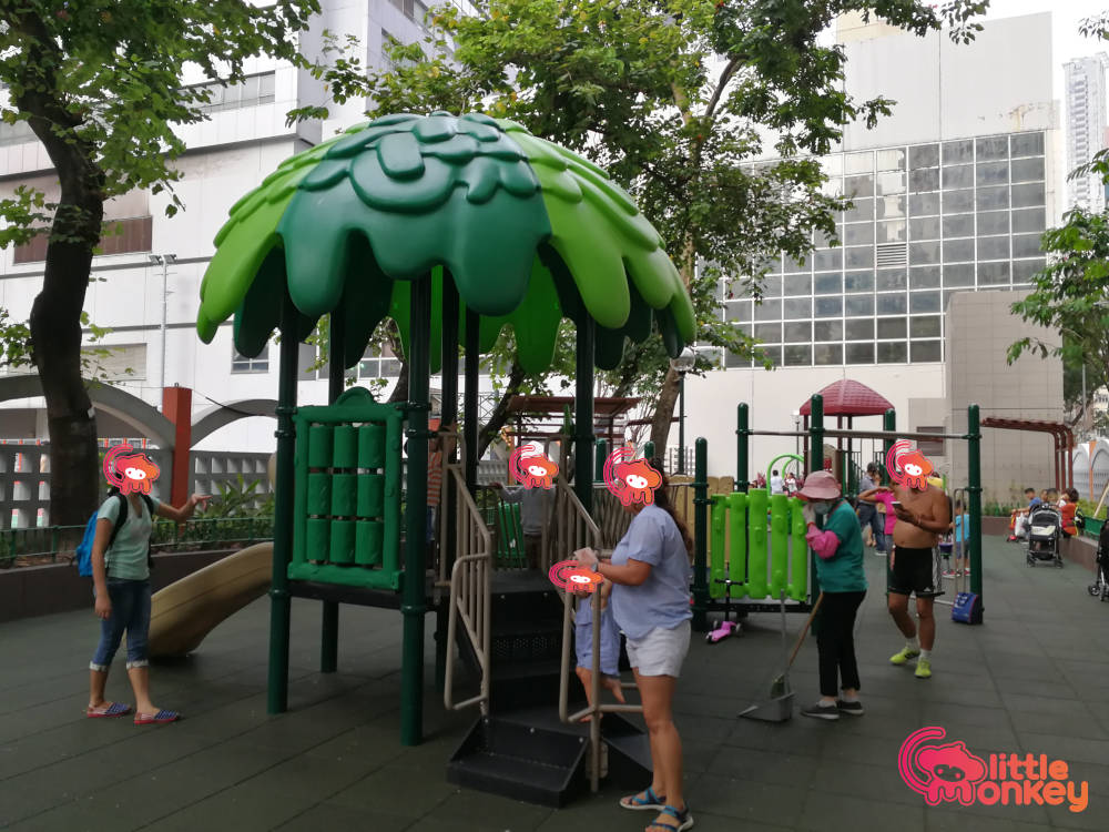 Southorn Playground's outdoor equipments of play area