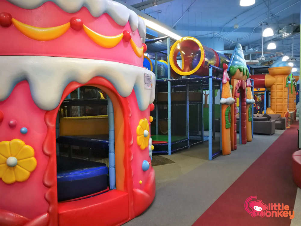 Fun Zone (Kennedy Town) Maze and Slides