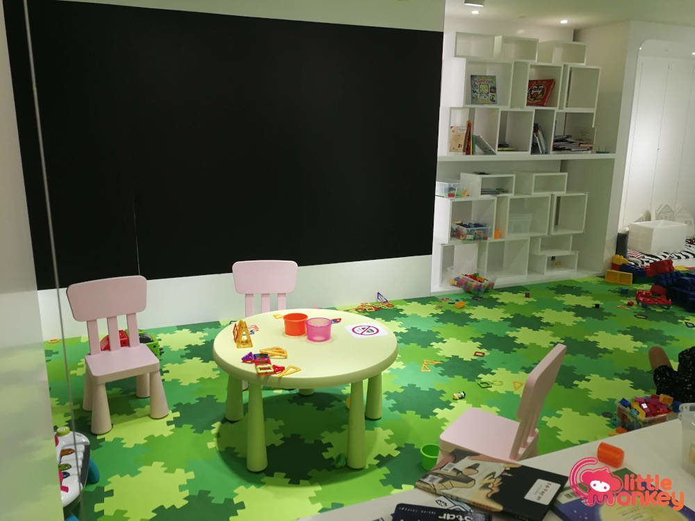 Wise Kid's interior in Lee Garden Two