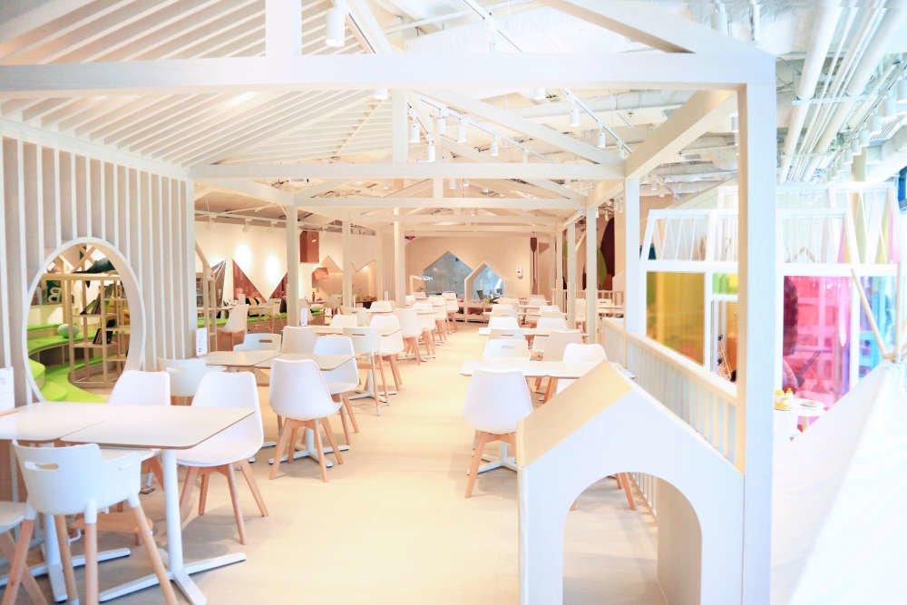 Origami Cafe's Interior