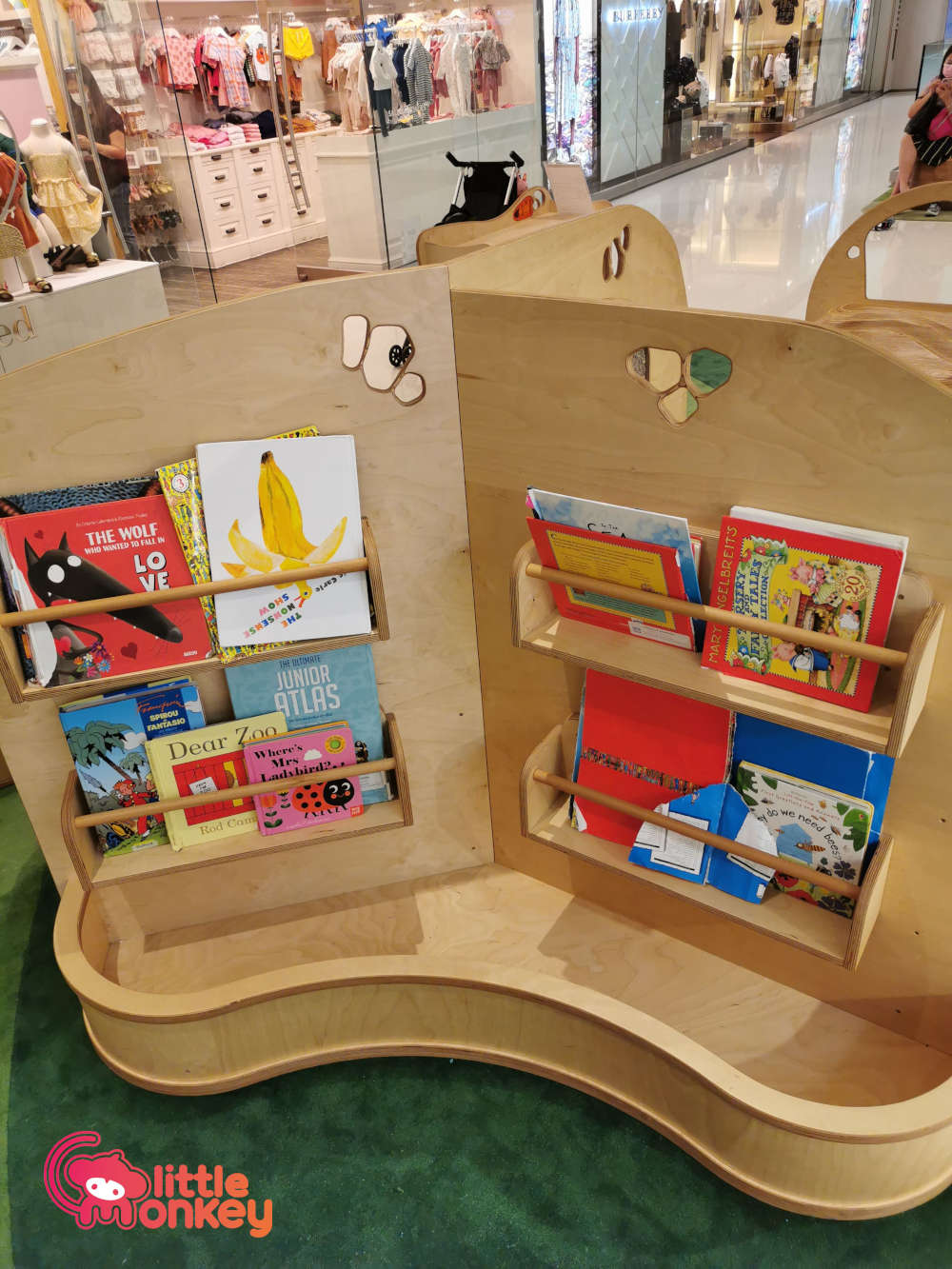 Lee Garden Two 2/F Play Area Bookcase